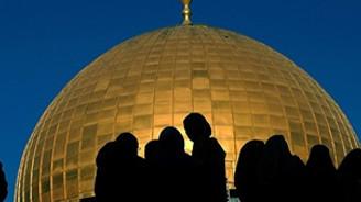 İsrail Mescid-i Aksa'ya girişleri yasakladı