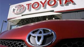 Toyota tahtını bırakmadı