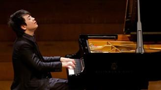 Piyanist Lang, İstanbul'da konser verecek