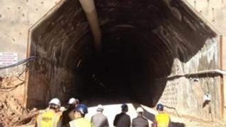 Tünel çöktü: 21 işçi mahsur