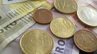 Yunanistan'ın bütçe açığı tahminlerin üzerinde