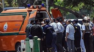 Trende bomba patladı: 2 polis öldü!