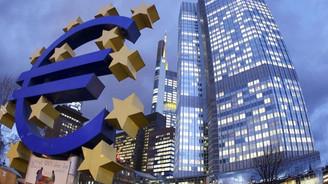 Euro Bölgesi'ne 'zayıflama' uyarısı