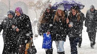 Antalya'da mevsimin ilk karı yağdı!
