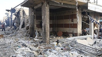 IŞİD'in 'başkenti' Rakka'ya bomba yağdı