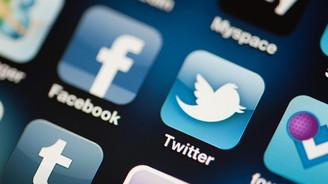 Twitter, Facebook ve Google+ neredeyse kapatılıyordu