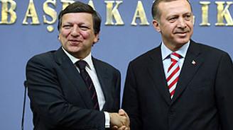 Erdoğan, Barroso ile Kıbrıs'ı konuştu
