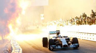 F1 tarihine damga vurdu