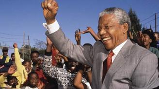 Mandela'nın ölüm yıldönümü