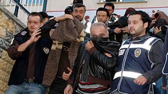 Başkent'te kaçak eşya operasyonu
