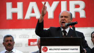 """""""Halk oylaması AKP için güven oyu niteliğinde"""""""