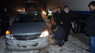 Türkiye kar ve fırtınaya teslim oldu