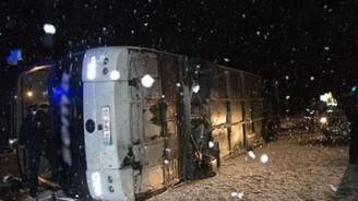 Sivas'ta otobüs devrildi: 51 yaralı