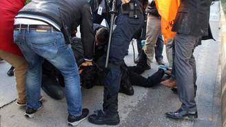 Davutoğlu protestosuna müdahale: 20 gözaltı