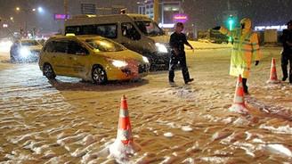Kar ve tipi ulaşımı durdurdu:İşte kapanan yollar!