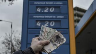 Benzinin yüzde 65'i vergi