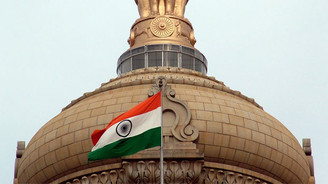 Hindistan savunma bütçesini artırdı
