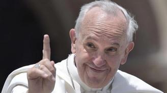 Papa'dan Paris çıkışı: Anneme küfreden...