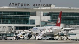 Atatürk Havalimanı'nda rekor rekor üstüne