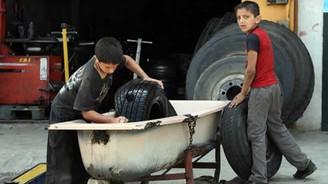 Okula gitmeyen çocuklar işçi oluyor
