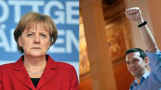 Angela Merkel: Yunanistan teklifini iyileştirmeli