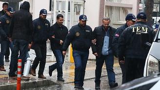 17 polise tutuklama