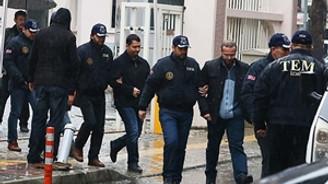 İzmir merkezli operasyonda 2 tutuklama