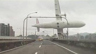 Uçak kazasında bilanço yükseliyor