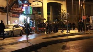 AK Parti binasına silahlı saldırı!