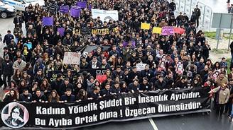 15 bin kişi Özgecan için yürüdü