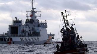 Ege'de 200 göçmen kurtarıldı