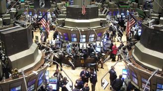 Wall Street güne hafif bir düşüşle başladı
