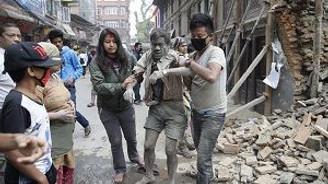 Nepal'deki deprem dehşeti amatör kamerada