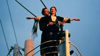 Titanik bir kez daha battı!