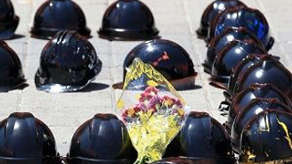 Soma'daki maden şehitleri anılıyor