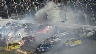 NASCAR'da korkunç kaza
