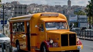 İETT'nin yeni nostaljik otobüsü sefere hazırlanıyor
