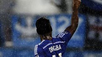 Futbolun ölümsüzü Drogba'dan muhteşem frikik!
