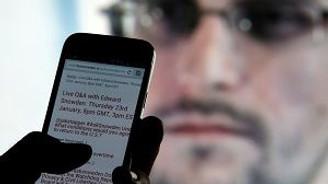 Edward Snowden da Twitter'da!