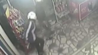 Kadın işletmeci, silahlı gaspçıları bıçakla kovaladı