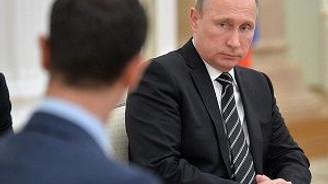 Esed Moskova'da Putin'le görüştü