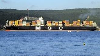 Dev gemi Çanakkale Boğazını kapattı