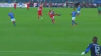 Triverio'dan sık rastlanmayan bir gol