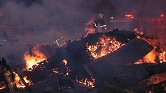 Keresteciler sitesi tamamen yandı