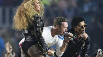 Beyonce'dan efsanevi Super Bowl performansı!