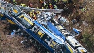 Tren kazasında 9 ölü 150 yaralı