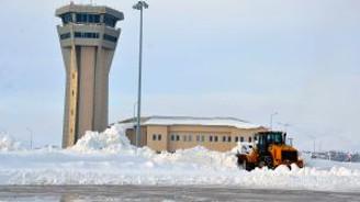 Havalimanı kapalı, pisti açık