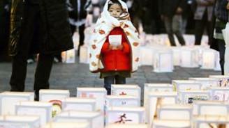 Japonya ölülerini anıyor
