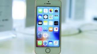 iPhone SE satışa sunuldu