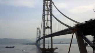 İzmit Körfez Geçişi Asma Köprüsü'nde sona doğru